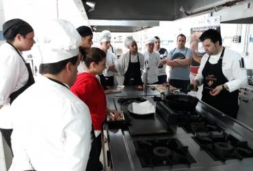 Los futuros cocineros y camareros de Madrid conocen a fondo el Torrezno de Soria